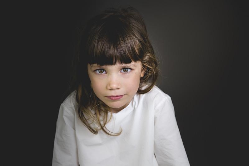 Elena Fantini Fotografa ritratto bambina studio